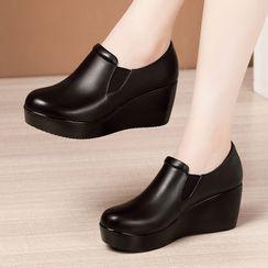 Obelie - 純色厚底船跟鞋