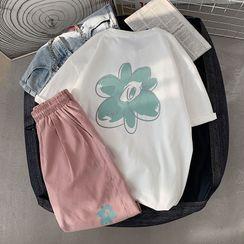 POSI - Set: Short-Sleeve Flower Print T-Shirt + Sweatshorts