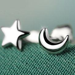 Gaya - Star & Crescent Stud Earring