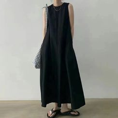 Fabrica - Sleeveless Midi Shift Dress