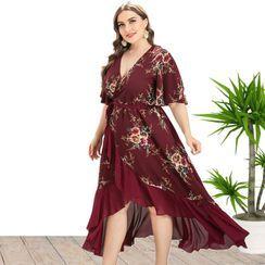 Chelsie Chic - Plus Size Short Sleeve V Neck Ruffled Hem Flower Print A-Line Dress