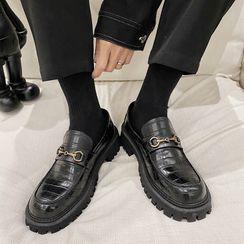 VEAZ - Platform Croc Grain Loafers