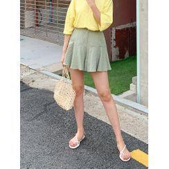 J-ANN - Seam-Trim Flared Shorts
