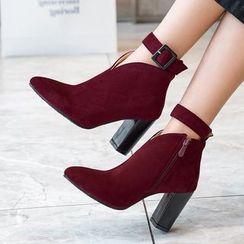 Cinnabelle - 尖头饰扣粗跟及踝靴