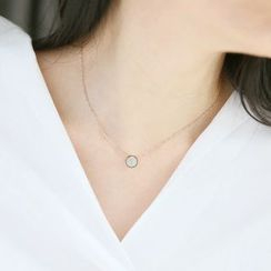 MOMENT OF LOVE - Round Pendant Necklace