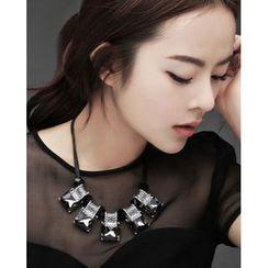 Miss21 Korea - Rhinestone Statement Necklace