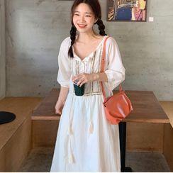 Czarine - Elbow-Sleeve Embroidered Tunic Dress