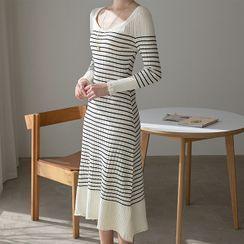 NAIN(ナイン) - Scoop-Neck Stripe Long Knit Dress