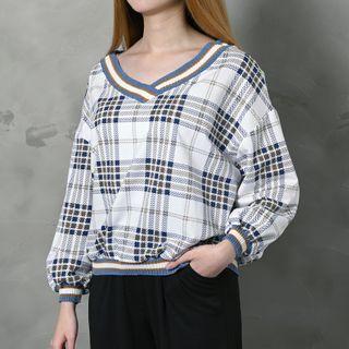 Closette - Turtleneck Long-Sleeve Top / Plaid V-Neck Pullover