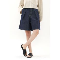 SIMPLY MOOD - Pleated Stitched Denim Shorts