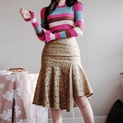Yilda - Set: Long-Sleeve Striped Knit Top + Midi Mermaid Skirt