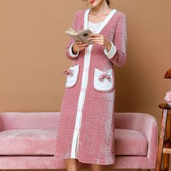Aision - 睡衣套装: 配色边饰钮扣中长睡袍 + 裤子