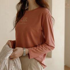 JUSTONE(ジャストワン) - Long-Sleeve Letter-Printed T-Shirt