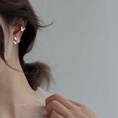 Furando - Non-Matching Butterfly Stud Earring