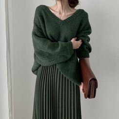Coris - Sweater / Pleated Midi Skirt