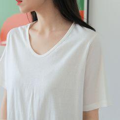 FROMBEGINNING - U-Neck Plain T-Shirt