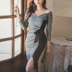 Cassidy(キャシディ) - Boatneck Long-Sleeve Color Panel Midi Sheath Dress