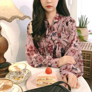 Tangihouse - Long-Sleeve Floral Chiffon Blouse