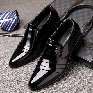 Taragan - Faux Leather Low Heel Slip-On Dress Shoes