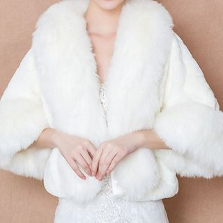Suaylla - Furry Wedding Cape