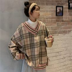 Hevnir - V-Neck Oversized Plaid Sweater