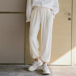CHIC ERRO - Pleated Sweatpants