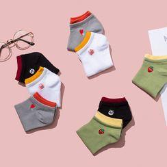 Cutie Bazaar - Embroidered Low Socks
