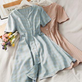 Lemongrass - 格纹短袖V领连衣中裙