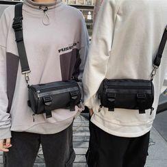 EAVALURE(イーヴァルア) - Nylon Barrel Crossbody Bag