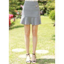 Styleonme - Inset Shorts Ruffled Wrap Miniskirt
