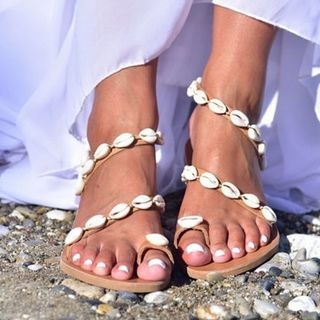 Weiya - 贝壳套趾仿皮凉鞋