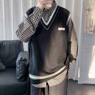 Sartho - Contrast Stripe Sleeveless V-Neck Knit Top