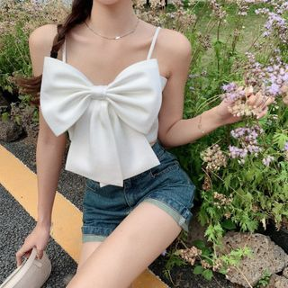 Maine(メイン) - Bow Accent Cropped Camisole Top