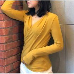 Winkplay - V-Neck Long-Sleeve Dance T-Shirt
