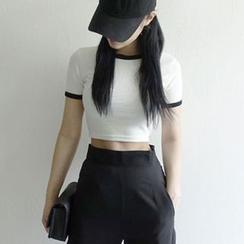 Hopsi - 短袖短款T恤