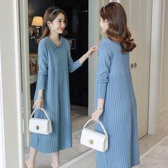 Empressa(エンプレッサ) - Maternity Long-Sleeve Midi Knit Dress