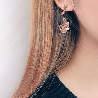 Joodii - 不對稱櫻花耳環 / 夾式耳環