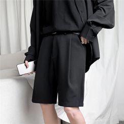 VEAZ - Plain Pleated Shorts