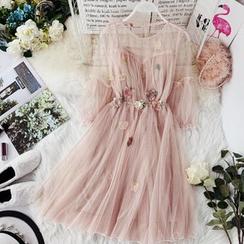 Lucuna - Elbow-Sleeve Flower-Accent A-Line Mesh Dress
