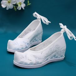 Kyotopia - Embroidered Hidden-Wedge Hanfu Shoes