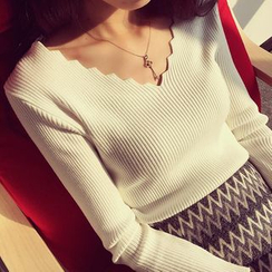 Shiodome - Long-Sleeve Scalloped V-Neck Knit Top