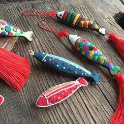 Embroidery Kingdom - Fish Tassel Hanging Decoration DIY Embroidery Kit