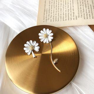 Dollu - Flower Earring