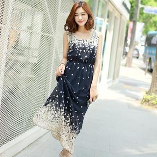 Envy Look - Sleeveless Floral Print Maxi Dress