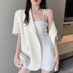 Velero - 细肩带皱褶迷你塑身连衣裙 / 中袖单排扣西装外套