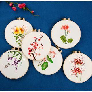 Embroidery Kingdom(エンブロイダリーキングダム) - Flower DIY Embroidery Kit