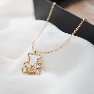 MOMENT OF LOVE - Shell Bear Pendant Necklace