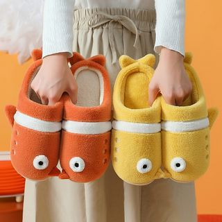 Ishanti - Penguin Fluffy Slippers