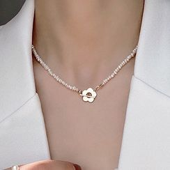 Kulala - Alloy Flower Pearl Necklace