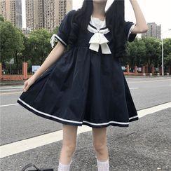 Lady Suga - 水手领蝴蝶结迷你A字连衣裙